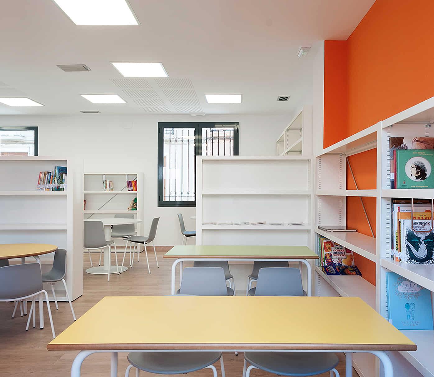 muebles para biblioteca pública